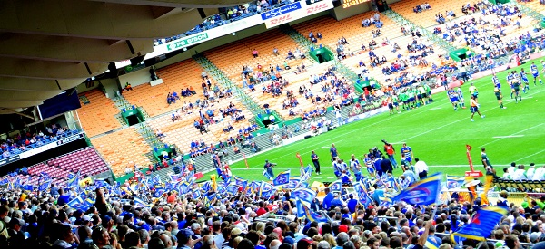 A sea of blue flags in the Stormers stand!